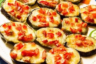 Melanzane alla pizzaiola: la ricetta del contorno veloce al forno