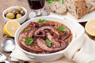 Polpo ubriaco: la ricetta del secondo di pesce della tradizione livornese