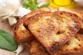 Fettunta: la ricetta della merenda toscana croccante e saporita