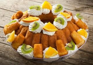 Babà all'arancia: la ricetta del dolce tipico napoletano aromatizzato all'arancia