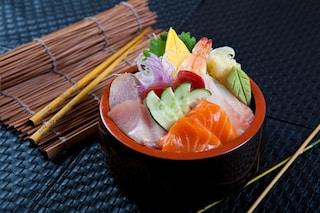 """Chirashi: cos'è e come preparare il sushi """"sparpagliato"""""""