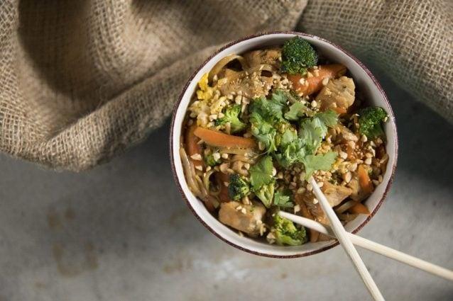 Pad thai la ricetta per cucinare i famosi noodles dello for Cucinare noodles