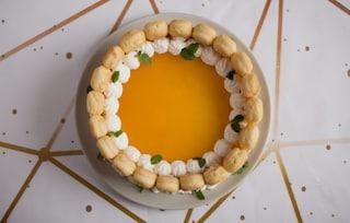 Tiramisù al mango: la ricetta del dolce fresco e goloso con frutta