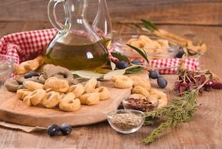 Taralli al finocchietto: la ricetta semplice per realizzarli fragranti e profumati