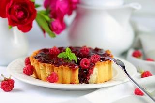 Tortino rovesciato ai lamponi: la ricetta del dessert estivo cremoso e gustoso