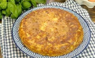Frittata di patate e cipolle: la ricetta del piatto nutriente e ricco di sapore