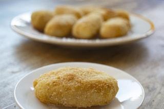 Frittelle di polenta: la ricetta dell'aperitivo croccante e sfizioso