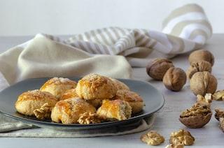 Biscotti alle noci: la ricetta dei dolcetti morbidi e veloci