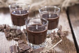 Liquore alla crema di nocciole: la ricetta fatta in casa veloce e cremosa