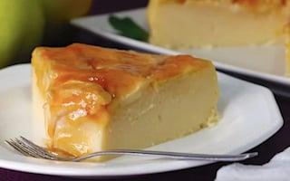 Torta di mele cremosa: la ricetta del dolce sofficissimo e delizioso