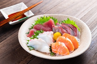 Sashimi: cos'è, come si prepara e differenze con il sushi