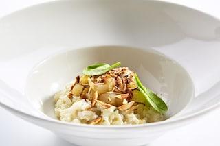Risotto con pere e mandorle: la ricetta del piatto delicato e genuino