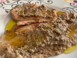 Scaloppine con crema di funghi: la ricetta del secondo piatto cremoso e saporito