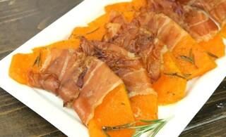 Zucca al forno con lo speck: la ricetta della pietanza veloce e gustosa
