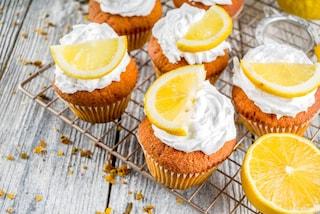 Cupcake al limone: la ricetta dei dolcetti profumati pronti in pochi minuti