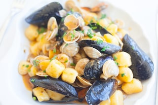 Gnocchi cozze e vongole: la ricetta del piatto mediterraneo