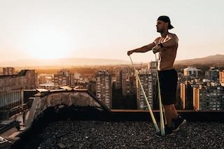 10 esercizi con bande elastiche da fare a casa