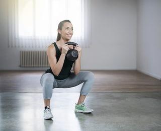 8 esercizi con kettlebell per allenare tutto il corpo