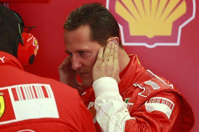 Michael Schumacher negli anni in Ferrari. Il sette volte campione del mondo di Formula 1 oggi ha 51 anni e prosegue il suo recupero nella sua villa svizzera di Gland / Getty