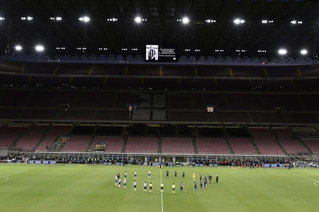 Serie A Il Calcio A Mezzanotte Non Piace I Tifosi Protestano Per Le Partite Delle 21 45