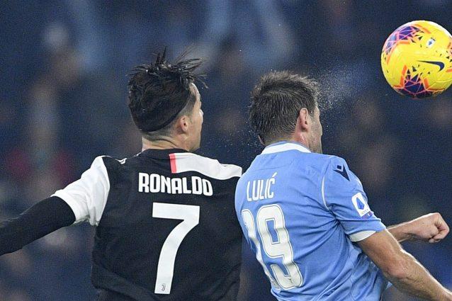 Calcio: Paratici difende Sarri e lo conferma alla Juve