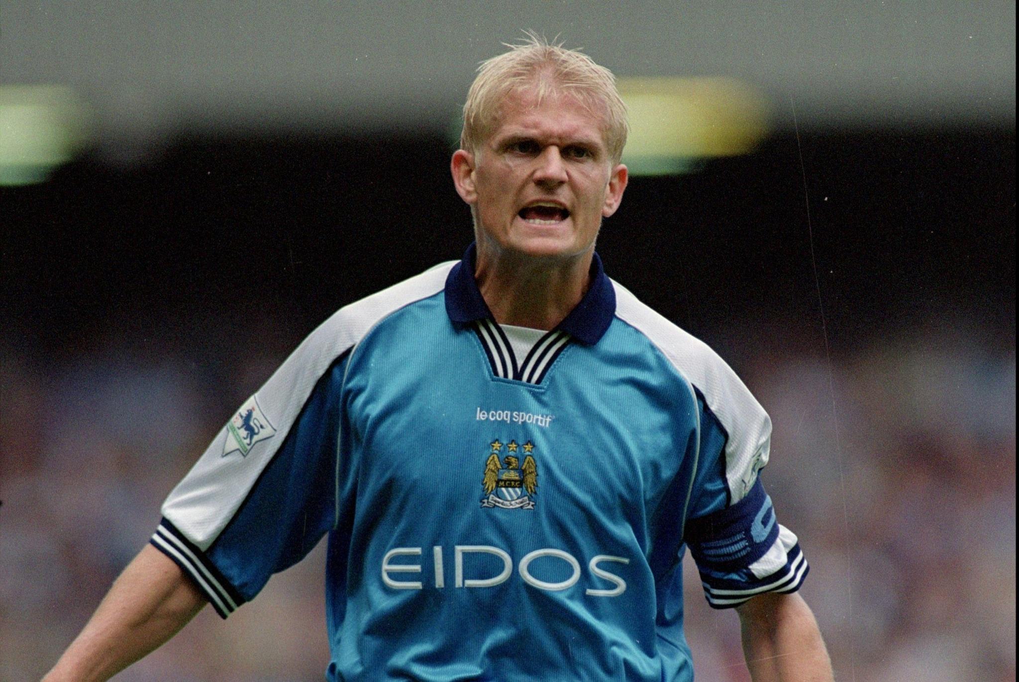Il padre di Erling Haaland in azione con il Manchester City