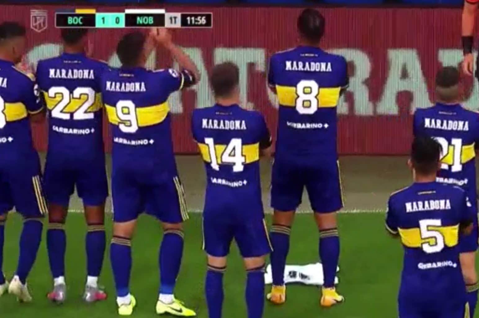 L'applauso dei giocatori del Boca verso il palco