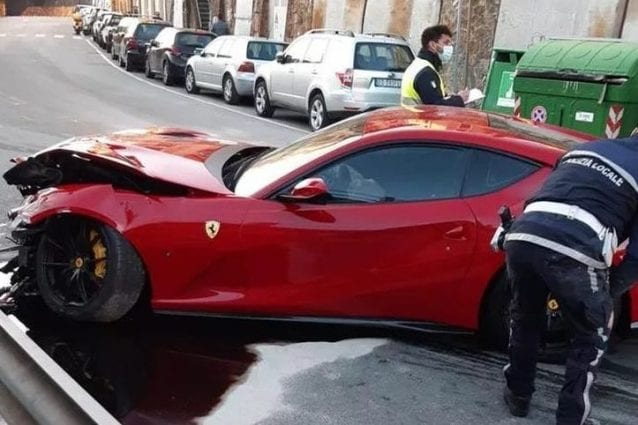 Genoa, lava la Ferrari di Marchetti e per riportargliela la distrugge
