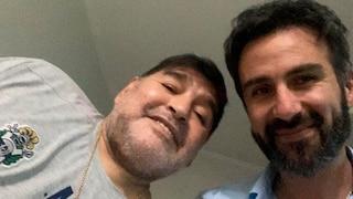 """L'audio Whatsapp del medico di Maradona nel giorno della morte: """"Il ciccione sta morendo"""""""