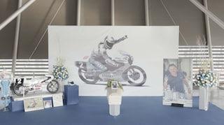 """A Imola il funerale di Fausto Gresini. Il figlio: """"Buon viaggio"""""""