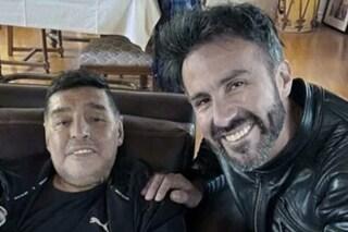 """Così controllavano Maradona negli ultimi giorni di vita: """"Avevano i suoi telefoni"""""""