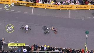 Terza tappa del Tour a Merlier, bruttissima caduta per Caleb Ewan in volata