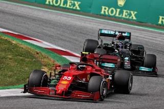 """Lo stato della Ferrari nella richiesta alla Mercedes: """"Possiamo far sdoppiare Sainz?"""""""