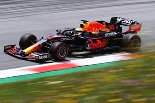F1, Verstappen conquista la pole del GP di Stiria. Ferrari delude: Leclerc 7°, Sainz 12°