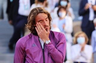 Il dramma di Tsitsipas: perde la nonna e lo sa 5 minuti prima della finale del Roland Garros