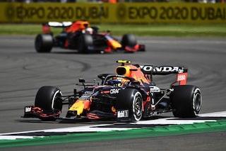 F1, GP Gran Bretagna prove libere 1: Verstappen vola anche a Silverstone. Ferrari tra le Mercedes