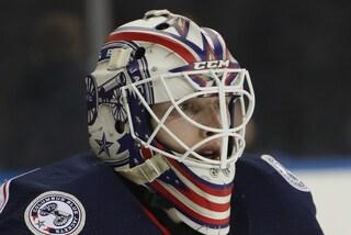 Matiss Kivlenieks ucciso a 24 anni da un fuoco d'artificio in petto: tragedia nella NHL