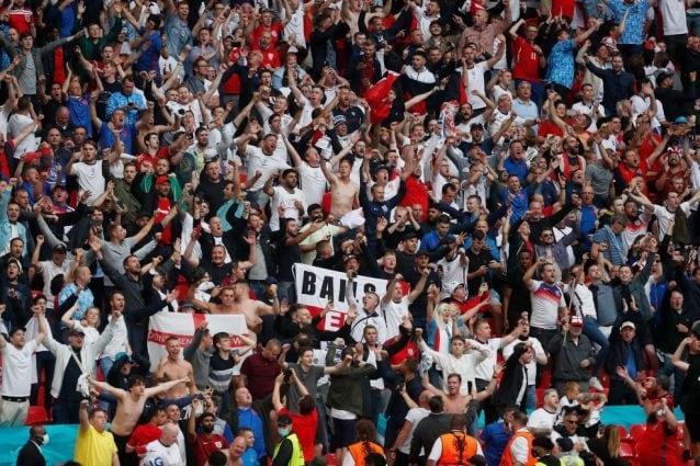 In Inghilterra spiegano ai tifosi come aggirare le norme Covid per assistere agli Europei in Italia
