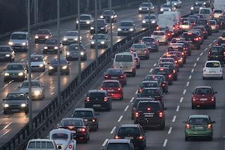 L'Europa fissa la deadline per le auto a benzina e diesel: dal 2035 in vendita solo veicoli 'green'