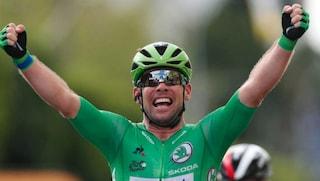 Mark Cavendish vince ancora, 32° successo al Tour de France: ora è vicino al record del mito Merckx