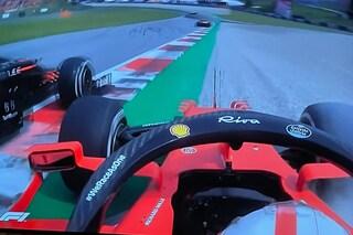 """La furia di Leclerc su Perez, dito medio e team radio di fuoco: """"Testa di ca**o"""""""