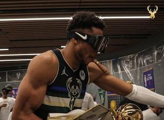 Perché i campioni NBA indossano occhiali da sci: la tradizione degli Champagne Goggles