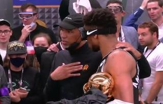 """Il bel gesto di Monty Williams, che ha fatto i complimenti a Milwaukee: """"Ci avete reso migliori"""""""