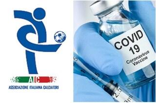"""L'appello dell'Aic ai giocatori di Serie A: """"Vaccinatevi per tutelare voi e i vostri cari"""""""
