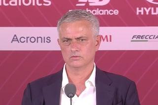 """Mourinho si presenta alla Roma e punge l'Inter: """"Facile vincere e non pagare gli stipendi"""""""