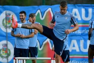 Un giocatore della Lazio positivo al Covid-19 nel ritiro di Auronzo di Cadore