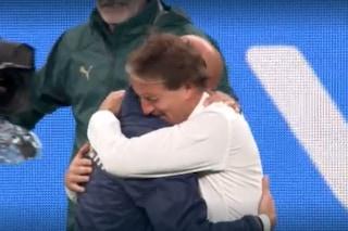 Mancini e Vialli crollano in lacrime: il loro abbraccio è il segreto dell'Italia campione