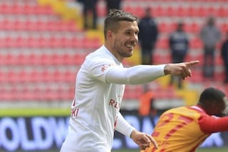 """Podolski torna a casa, a 36 anni riparte dal Gornik Zabrze: """"La leggenda continua"""""""