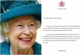 Italia contro tutti: scende in campo la Regina Elisabetta, lettera all'Inghilterra