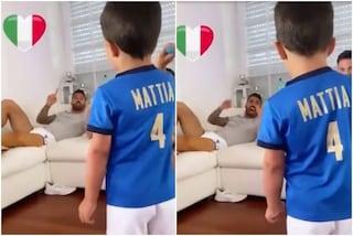 """""""Fratelli d'Italia"""": Spinazzola da casa canta l'inno con il figlio Mattia"""